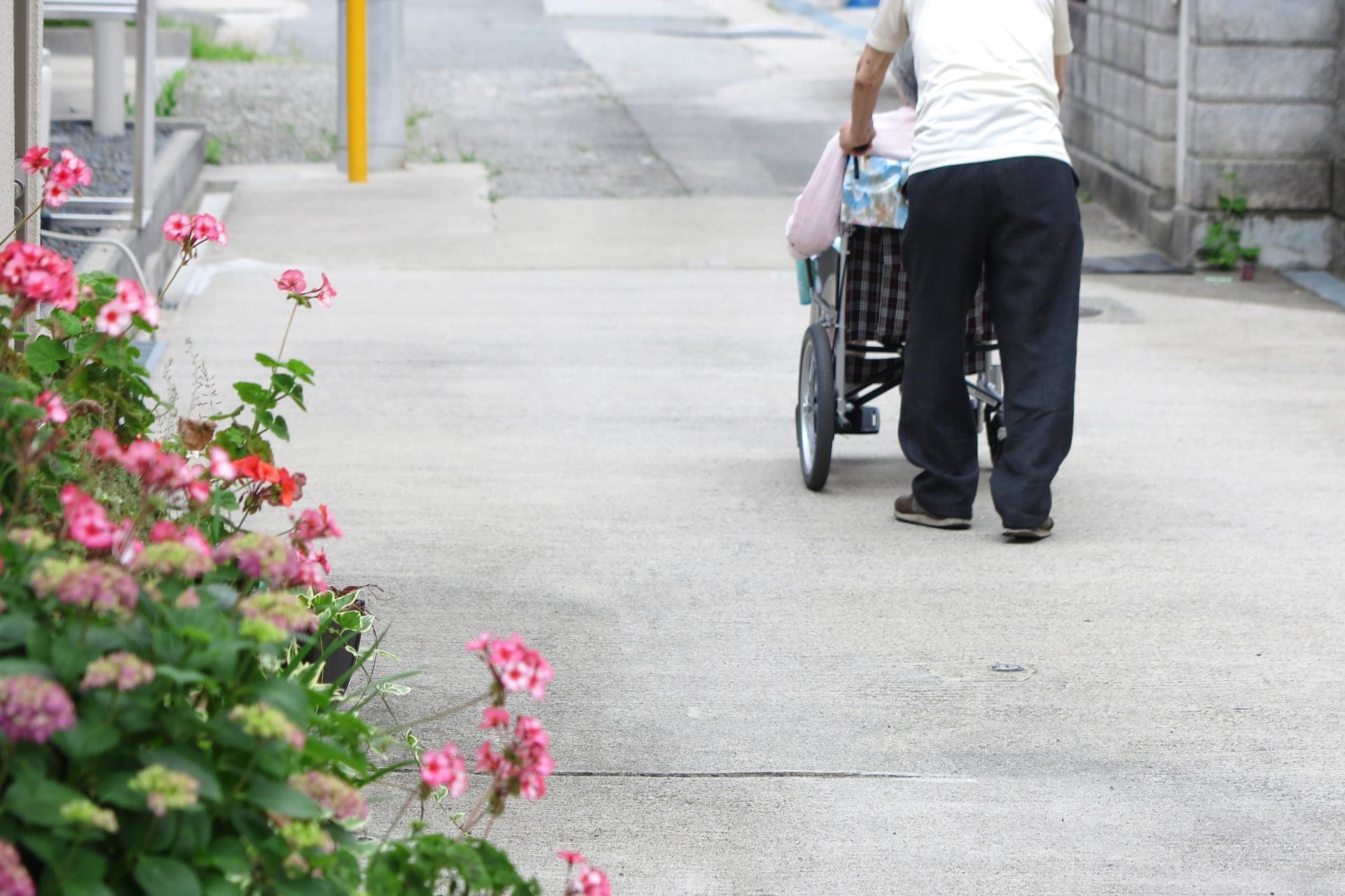 生活保護を受給する老夫婦